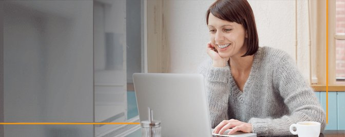 Woman working on online course.